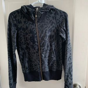 EXCELLENT Condition Lululemon sweatshirt